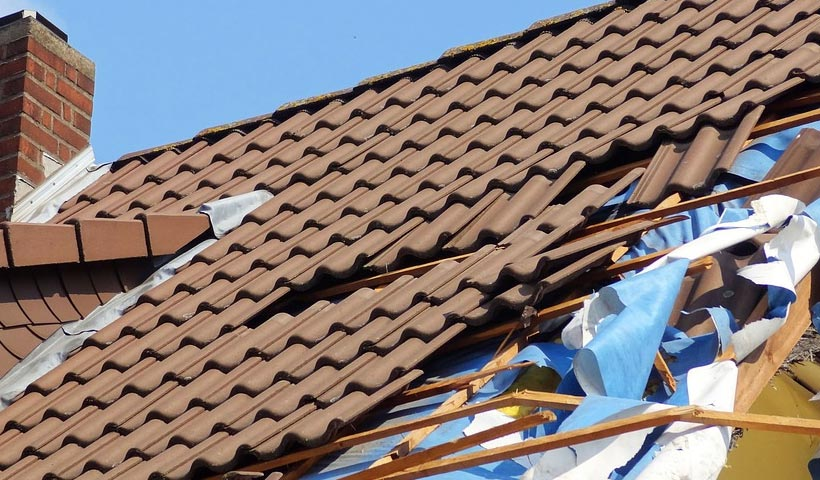 how to file a homeowner's insurance claim for roof damage